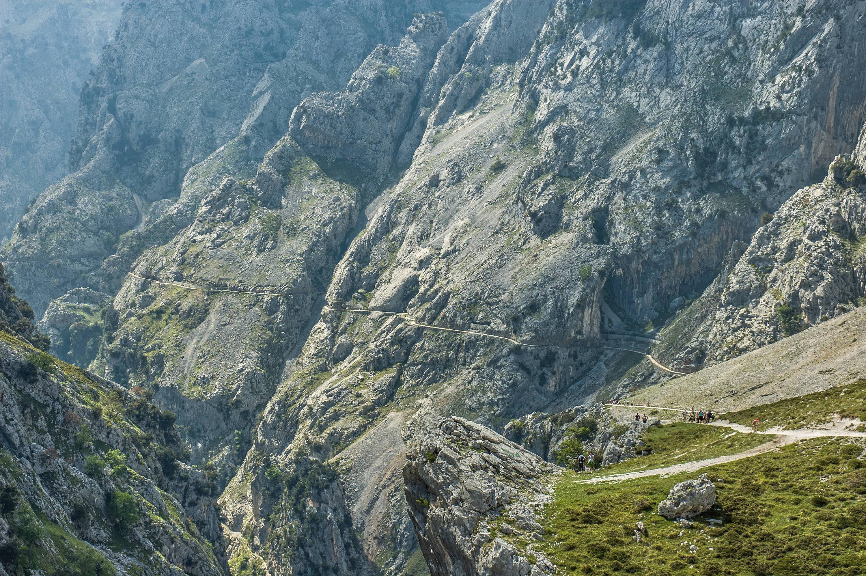 Impresionante vista de la Ruta del Cares desde Poncebos (Asturias) hacia Cain (León)