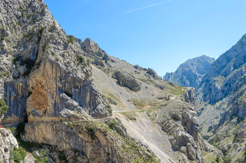 Panorámica de la senda o Ruta del Cares entre Poncebos (Asturias) y Cain (León)