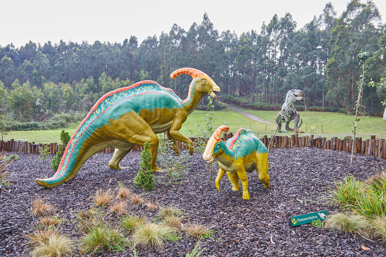 Maqueta de dinosaurios Parasaurolophus en el Museo del Jurásico de Asturias, MUJA, Colunga