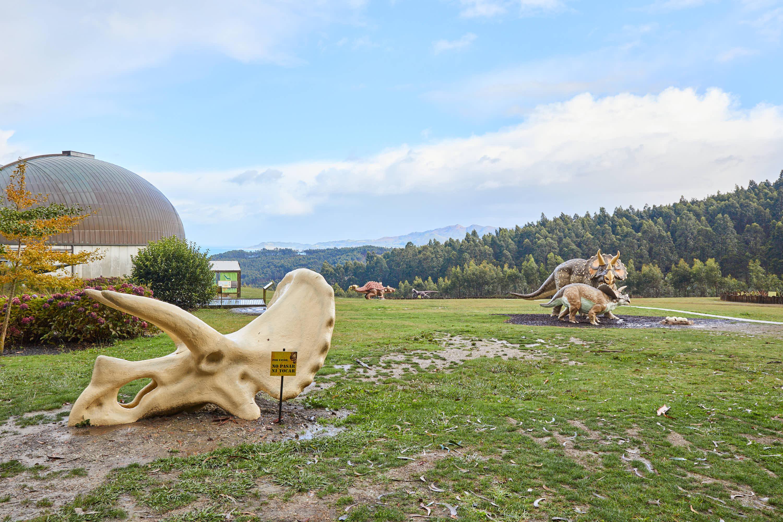 Maqueta de cráneo de dinosaurio Triceratops en el Museo del Jurásico de Asturias, MUJA, Colunga