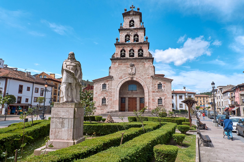 Iglesia de Nuestra Señora de la Asuncion de Santa Maria en Cangas de Onis