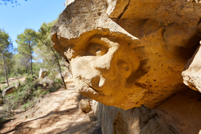 Escultura El Paleto, en la Ruta de las Caras, Buendía, Cuenca, Castilla La Mancha