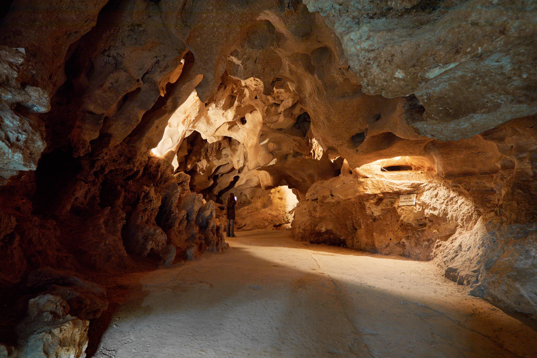 Sala Marco Craso en la Cueva del Tesoro en Rincon de la Victoria, Malaga, Andalucia, España