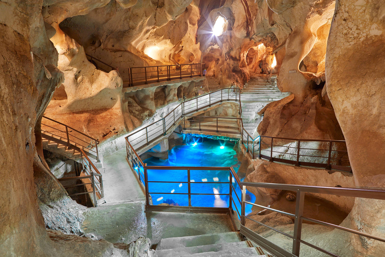 Primer lago en la Cueva del Tesoro en Rincon de la Victoria, Malaga, Andalucia, España
