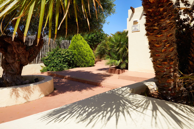 Detalle del pasillo del Hotel Cortijo El Sotillo en SanJose, Cabo de Gata, Nijar, Almeria, Andalucia