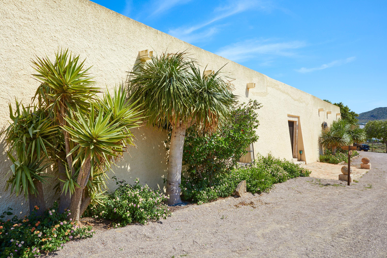 Fachada del Hotel Cortijo El Sotillo en SanJose, Cabo de Gata, Nijar, Almeria, Andalucia