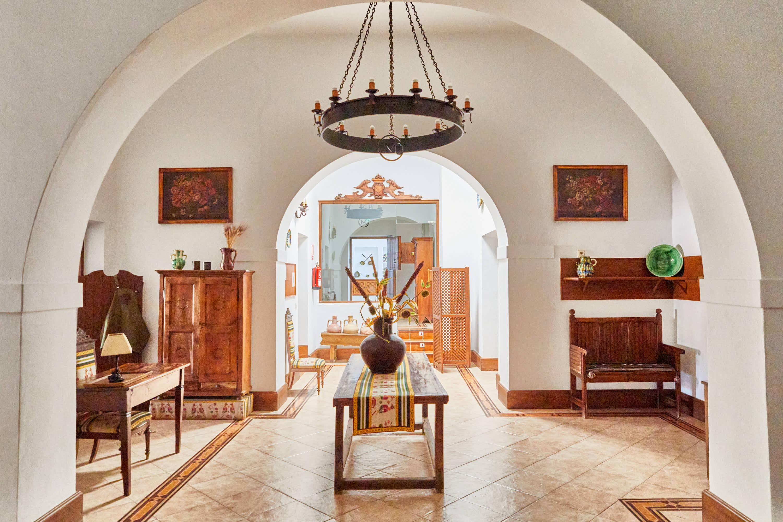 Hall interior del Hotel Cortijo El Sotillo en SanJose, Cabo de Gata, Nijar, Almeria, Andalucia