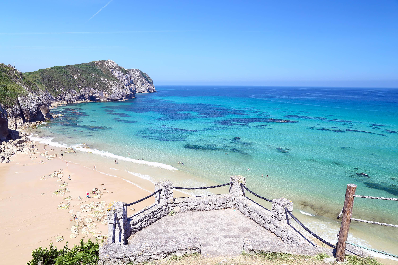 Mirador en la playa de Vidiago en Llanes, Asturias