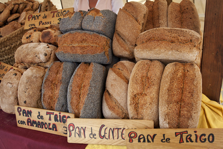 Multiples y variados panes colocados para la venta