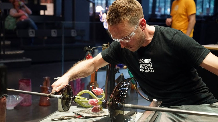 Bring the Heat: Live Glass with Chris Rochelle