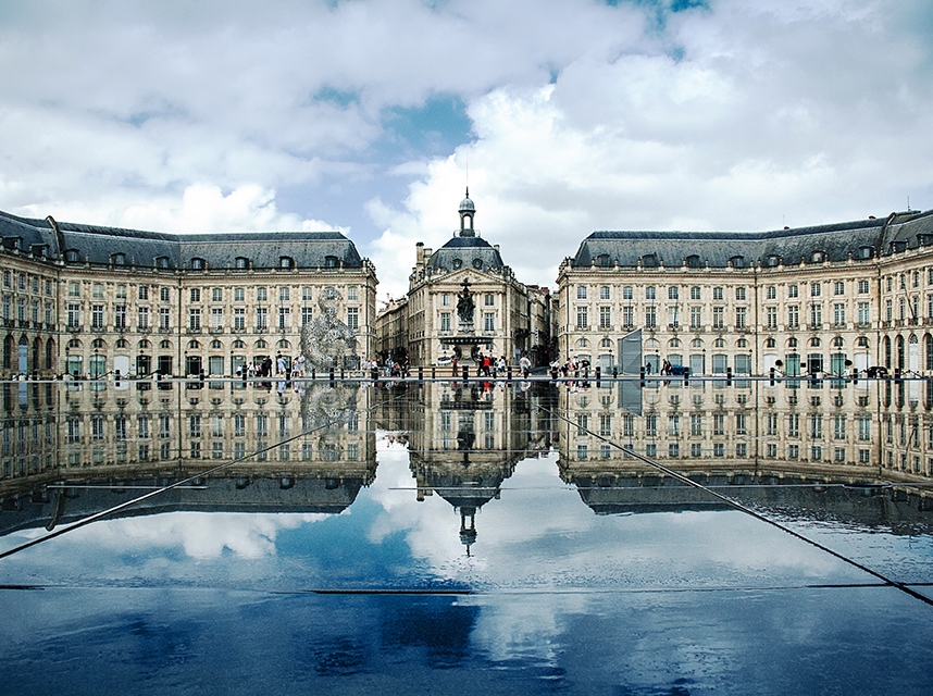 Bordeaux: Laboratory of Architecture