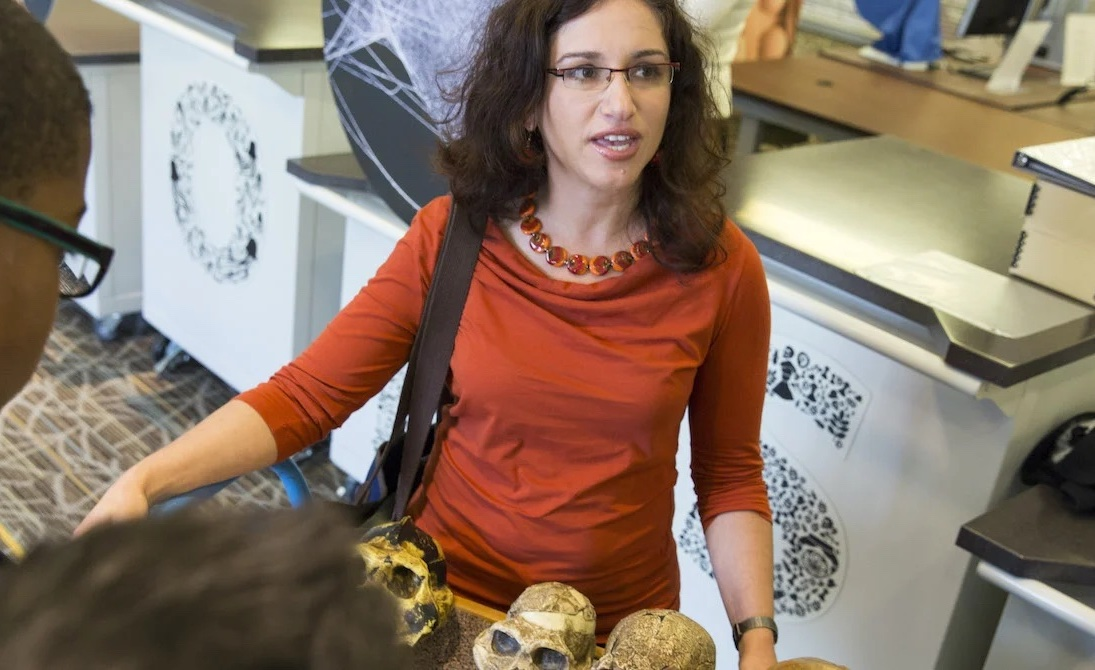 Engaging With Public Audiences on Human Evolution