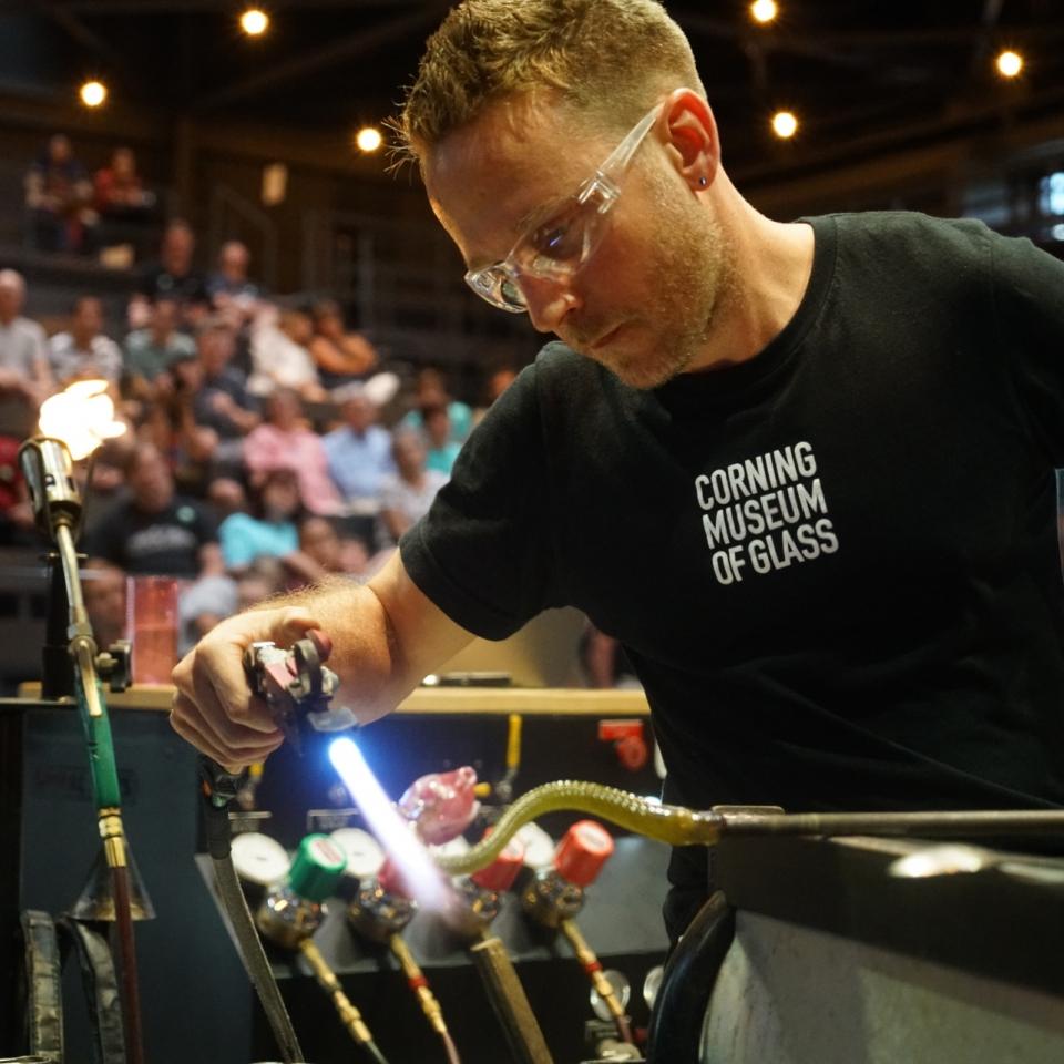 Fire and Vine Hot Glass Live Stream | Chris Rochelle