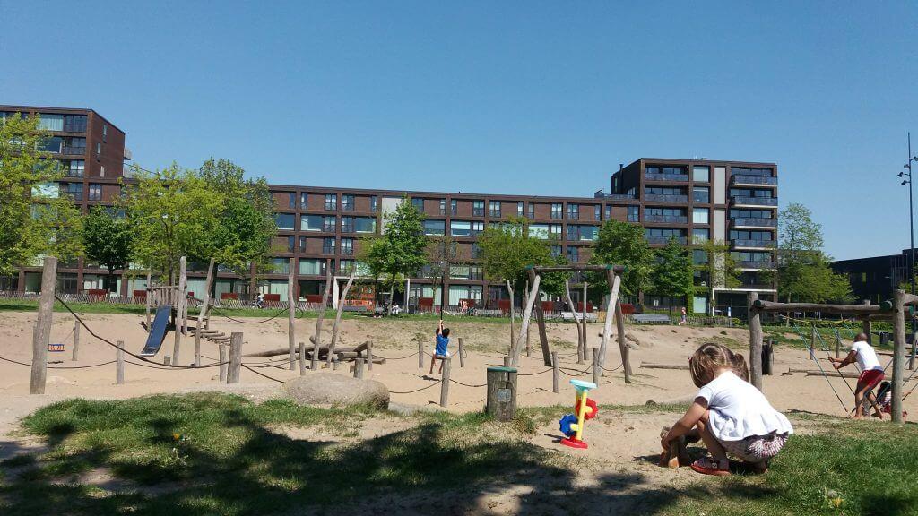 Parque Amsterdam, crianças brincando