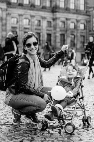 Mãe e Filha em Amsterdam, The Brave New Life, Gisele Medeiros