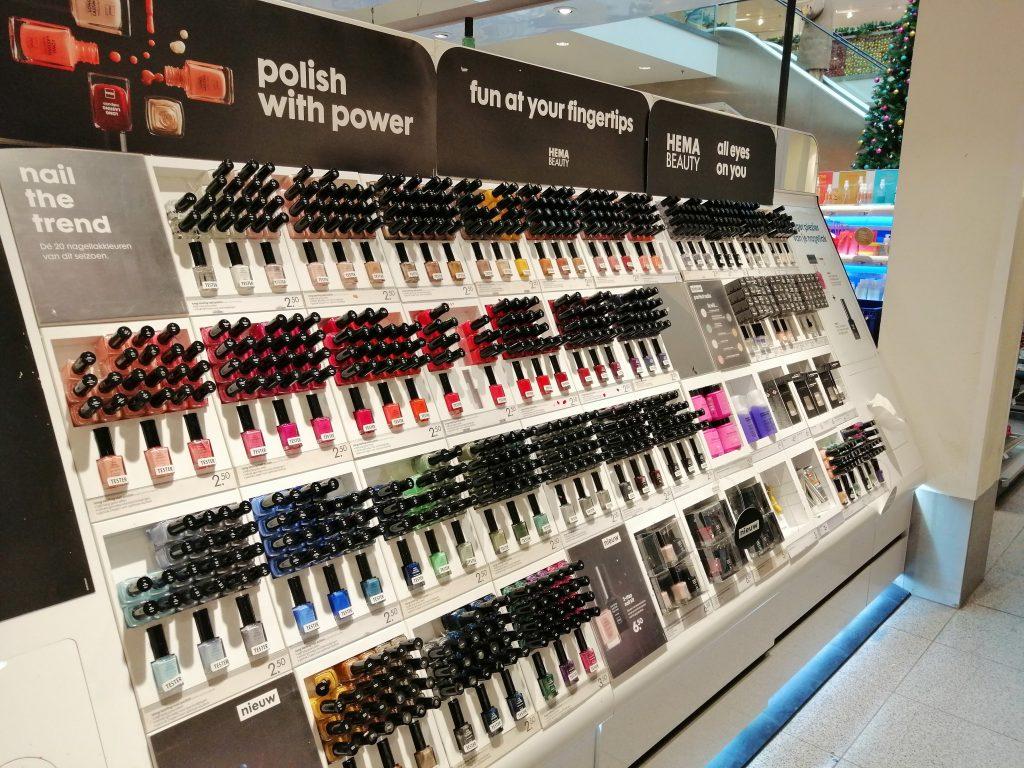 Maquiagem em farmacia