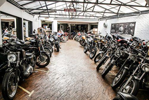 Barber Side dans le garage La Forge