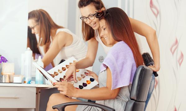 relation client salon de coiffure