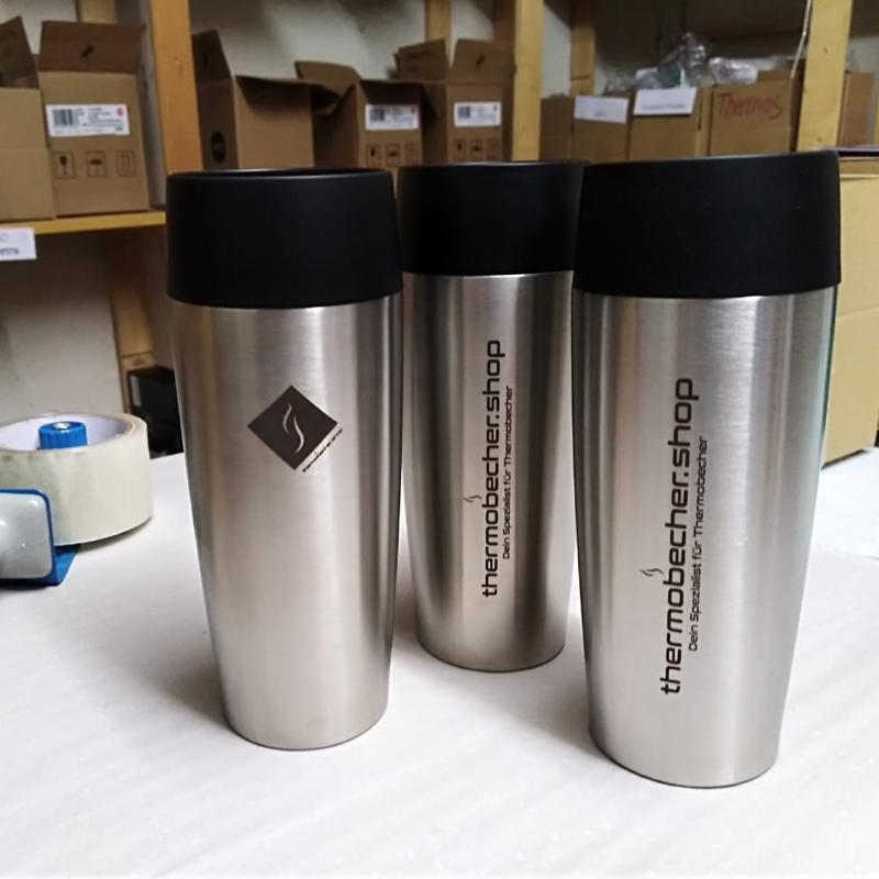 Kaffeebecher mit eigener Logogravur gestalten Firmenlogo