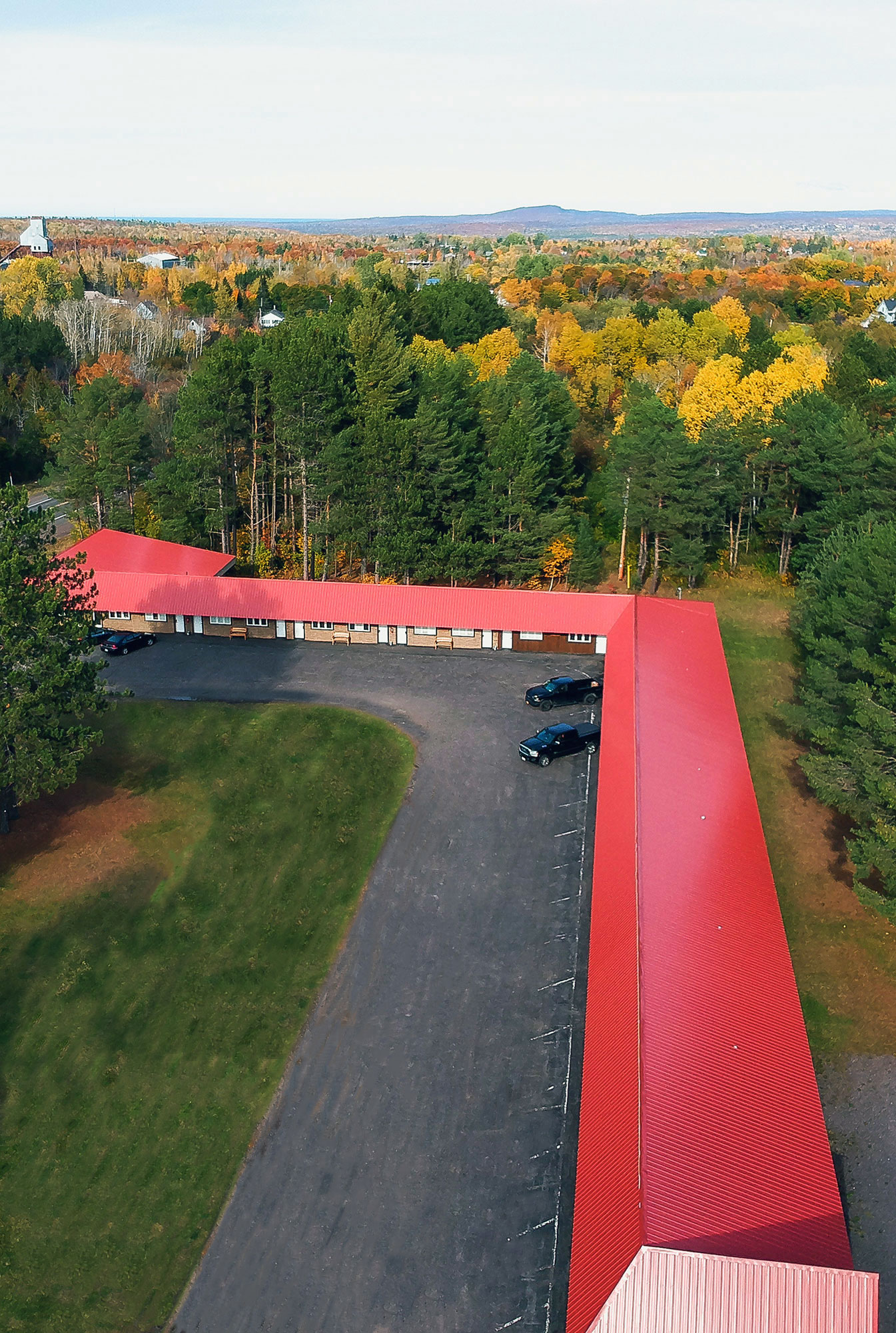 aerial exterior view of trailside lodge and copper country rentals