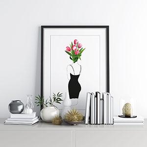 cvjetni poster na polici
