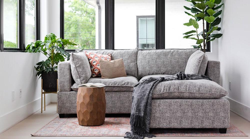 Kova Sectional Sofa