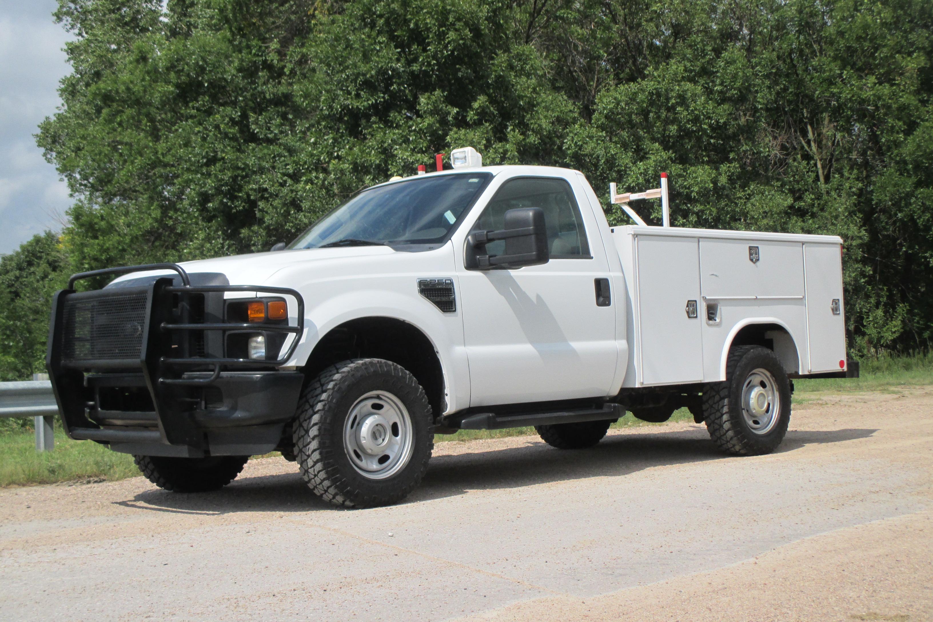 2010 Ford F250 Regular Cab Service Body