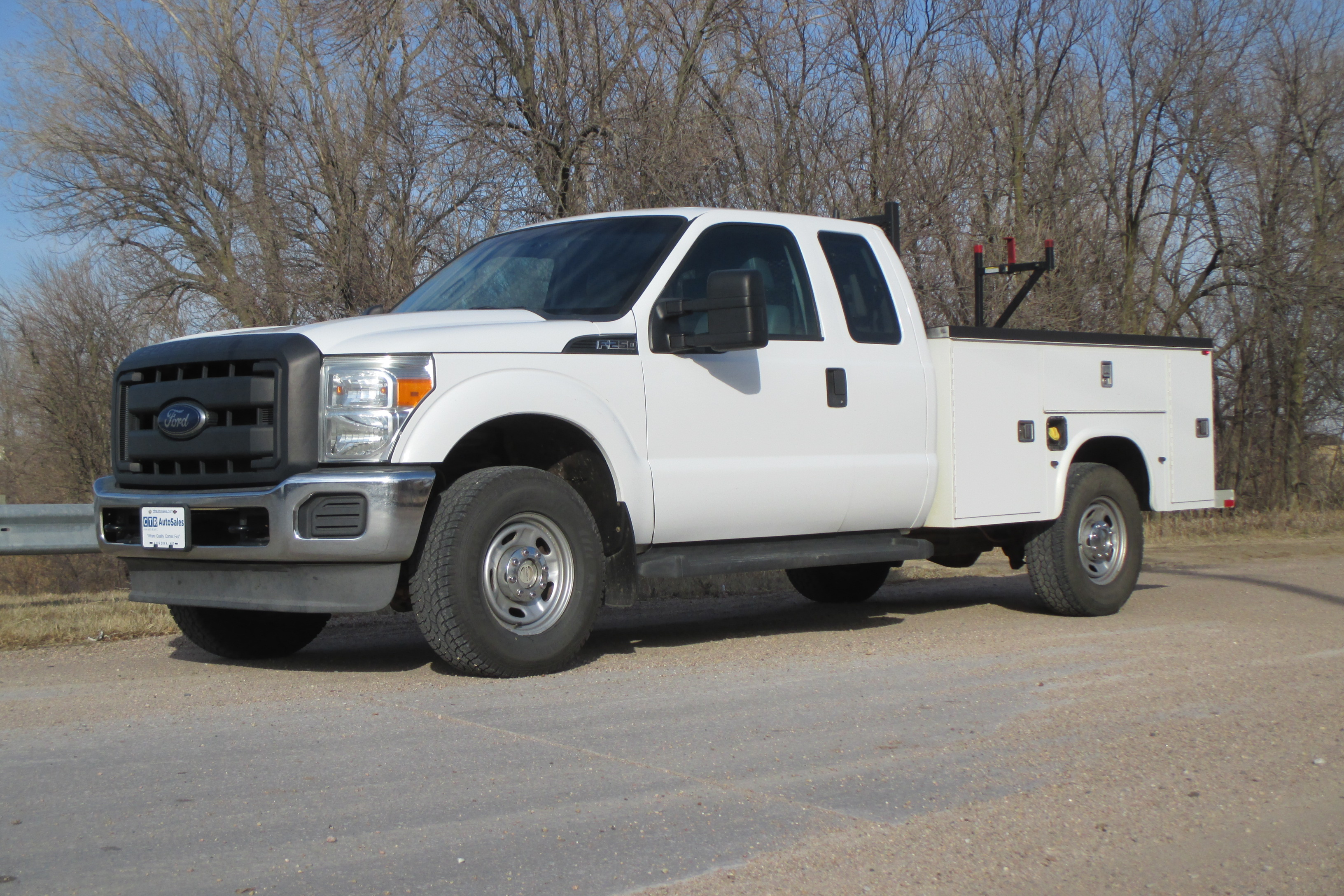 13 Ford F250 Extended Cab Service Body