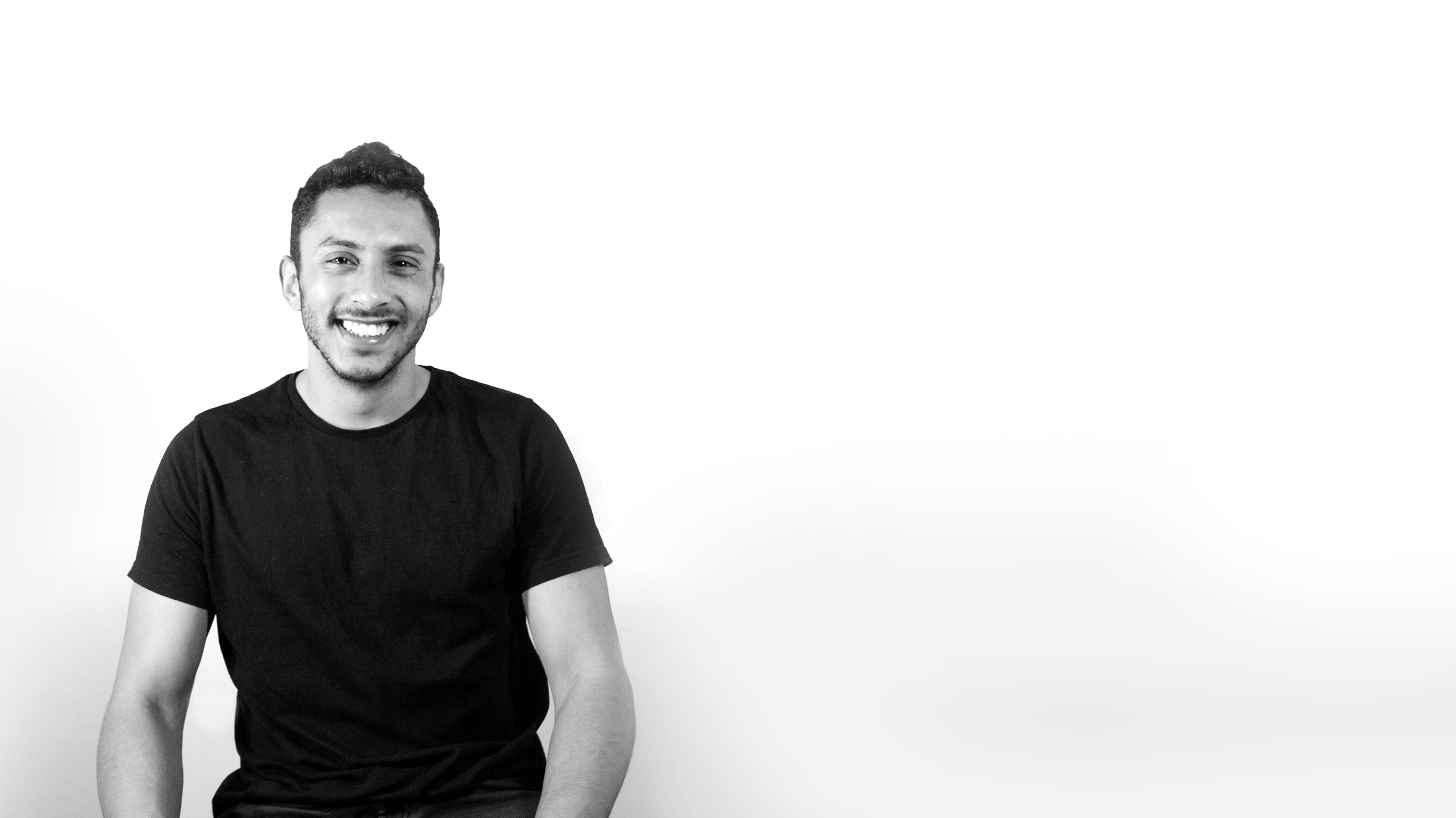 I am Omri Hillel, a Multi-disciplinary Designer.I believe in products that grow and evolve with their users.After practicing both graphic and industrial design, I found my passion in UI/UX.My specializations are visual interface and information architecture.