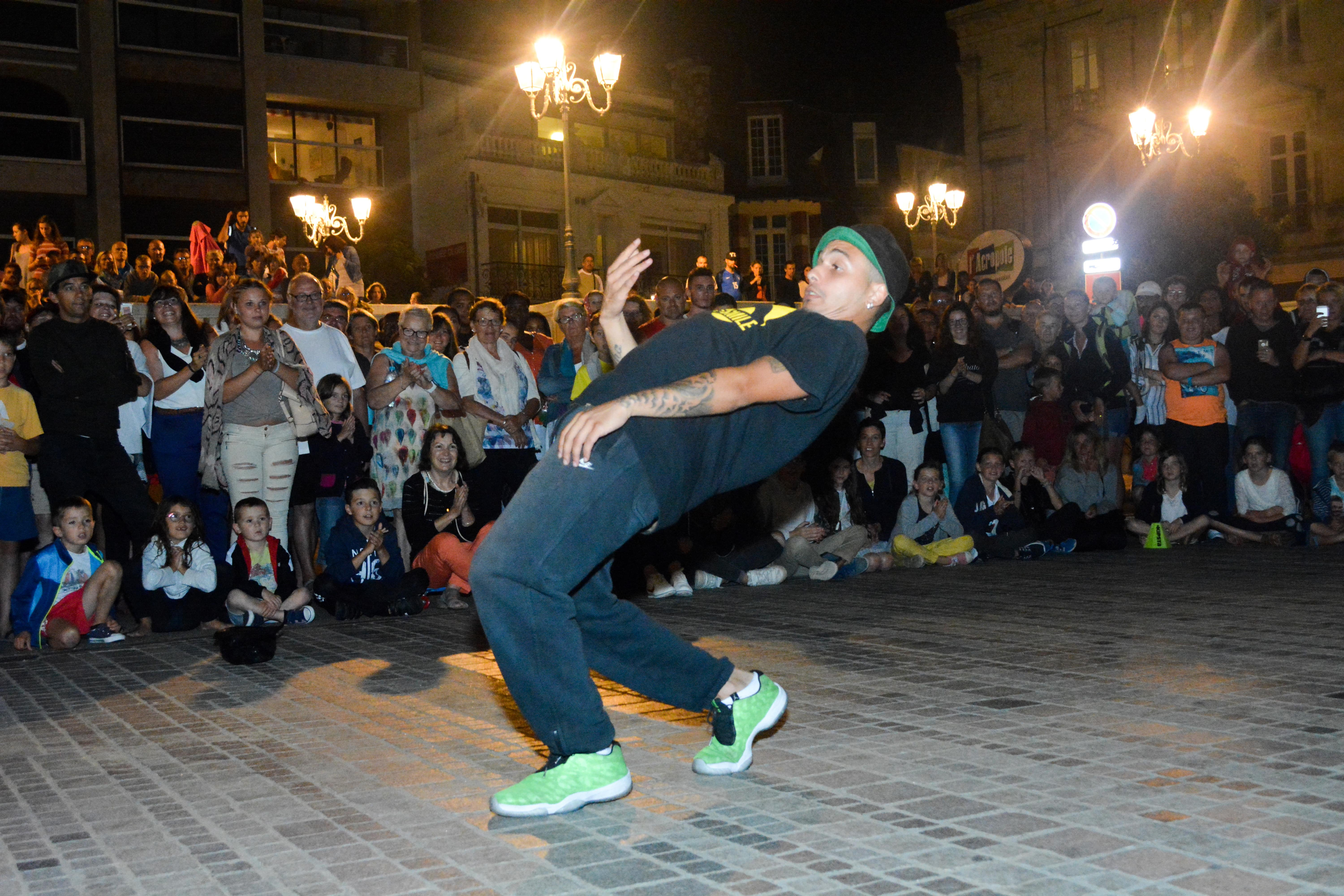 Prestation hiphop Breakdance et humour - Streetsmile