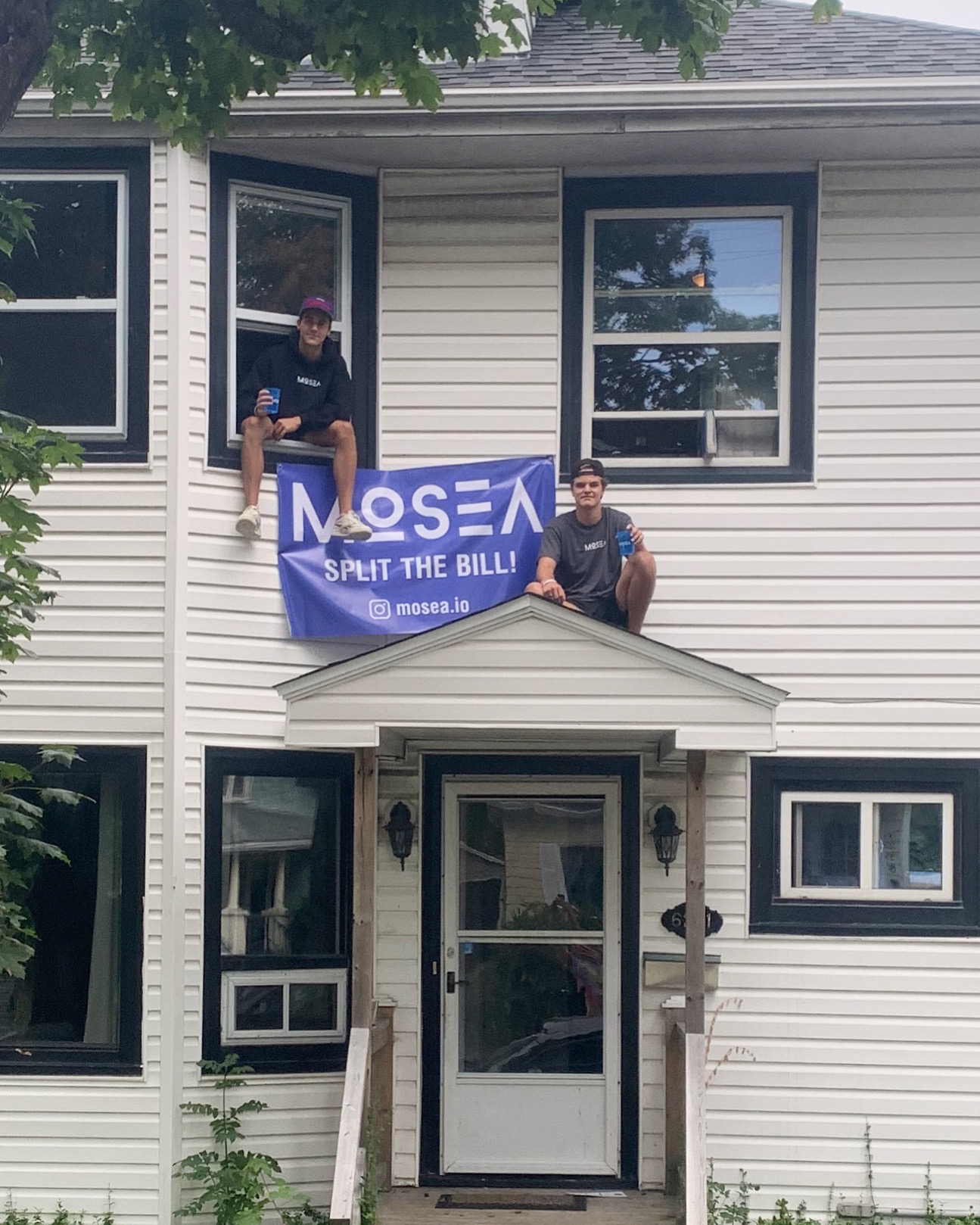Student house on Aberdeen with Mosea banner