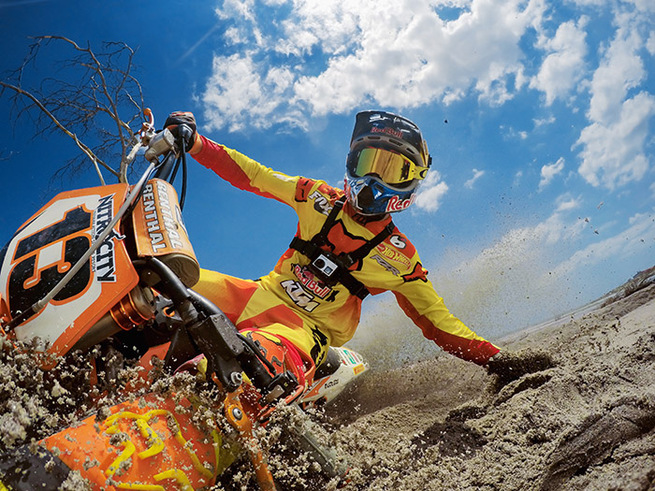 Ronnie Renner on dirt bike in action