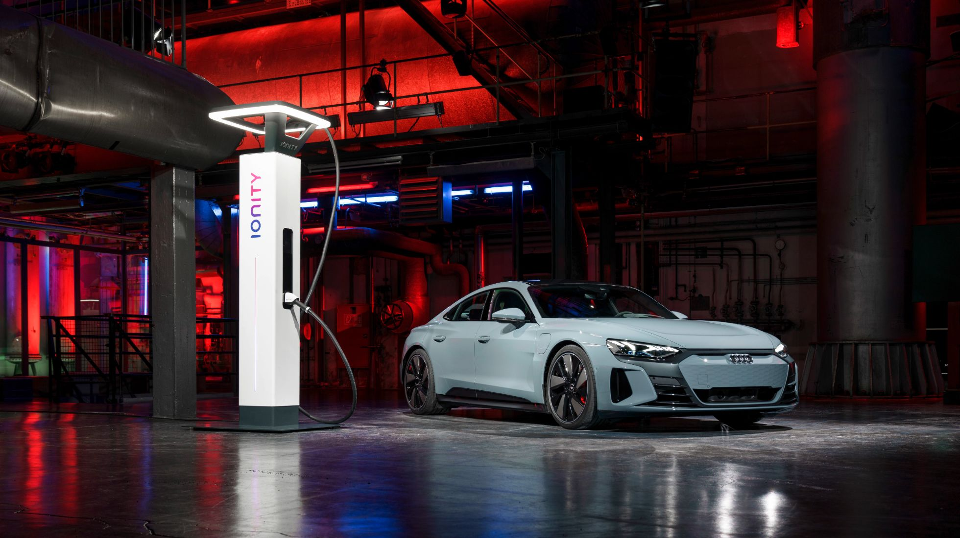 Audi e-tron GT: 5 Tech Features We're Excited About