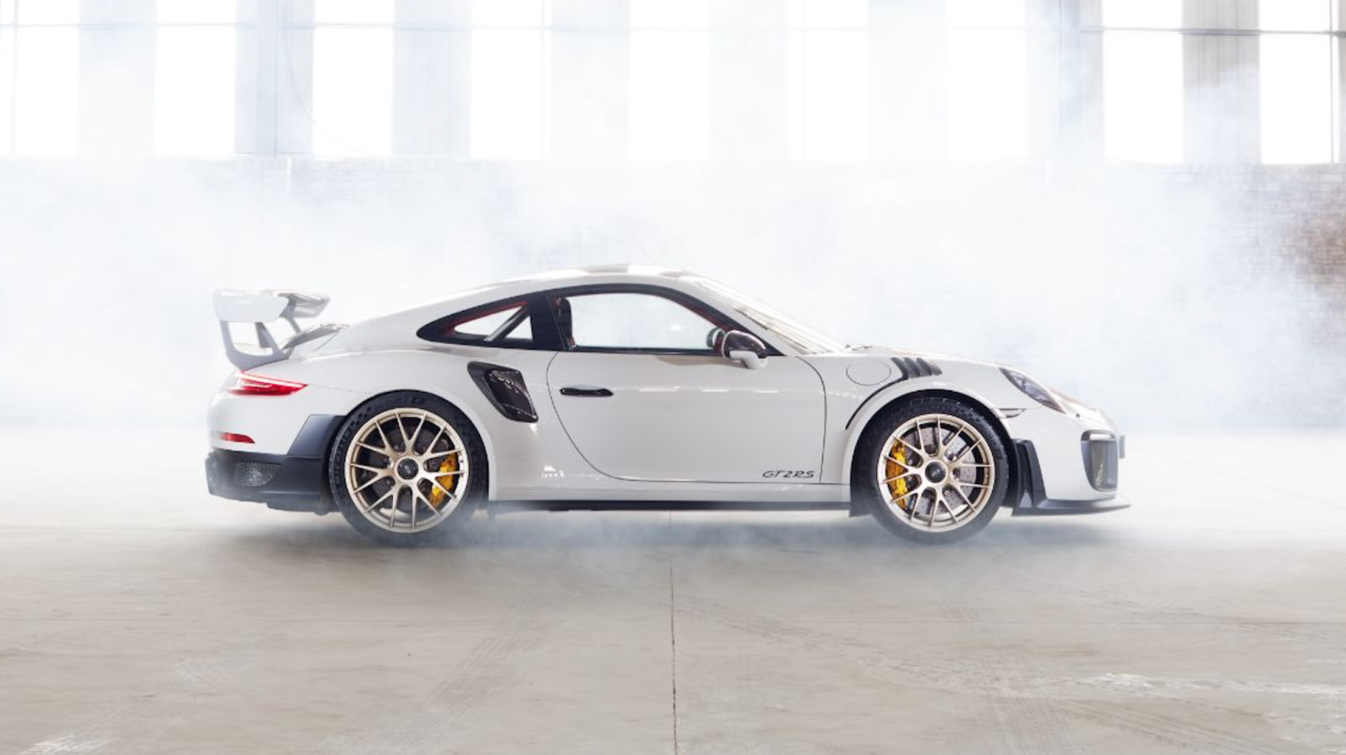 Porsche 911 GT2 RS - Mad and Masterful.