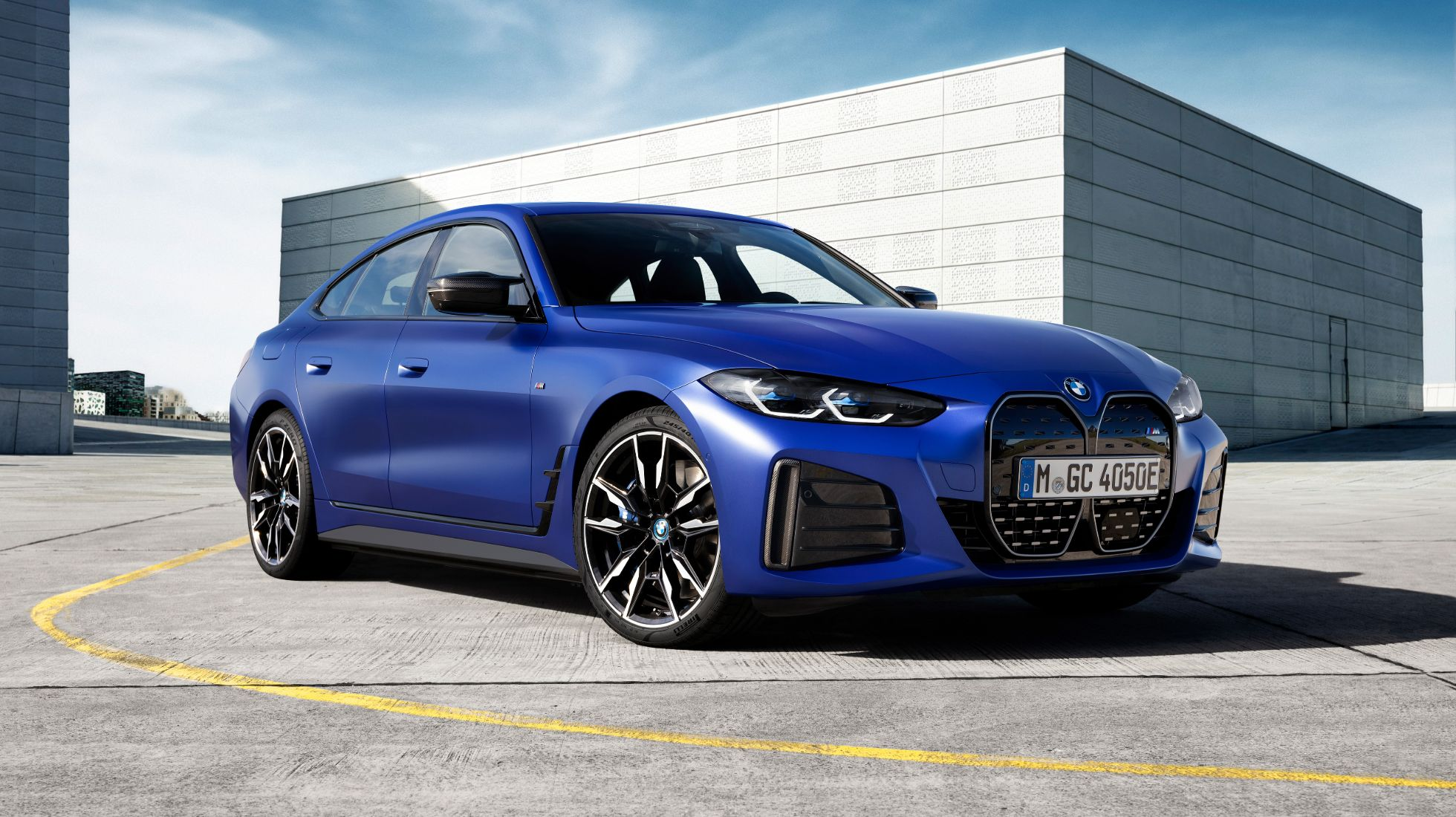BMW i4 M50 breaks cover