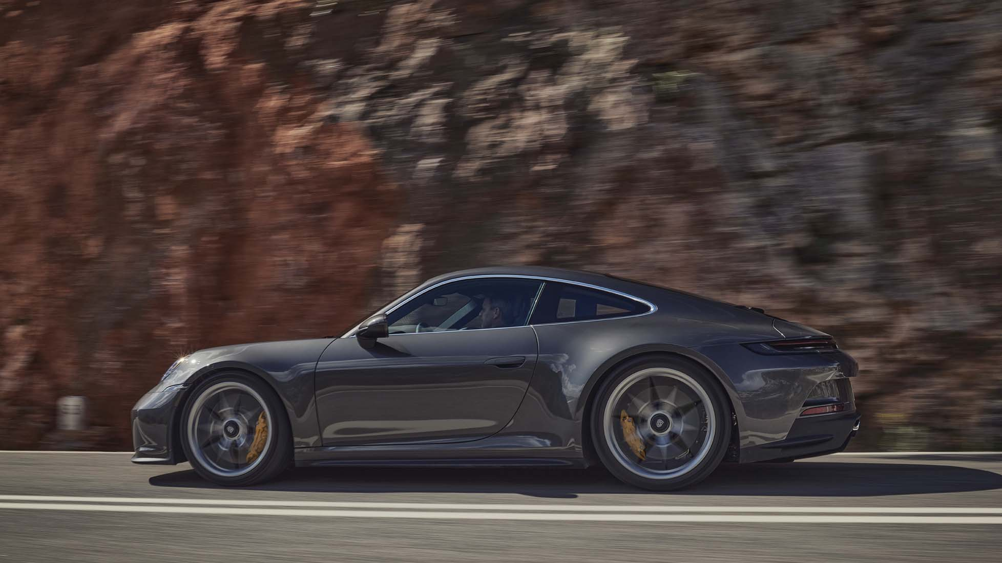 New Porsche 911 GT3 with touring pack revealed