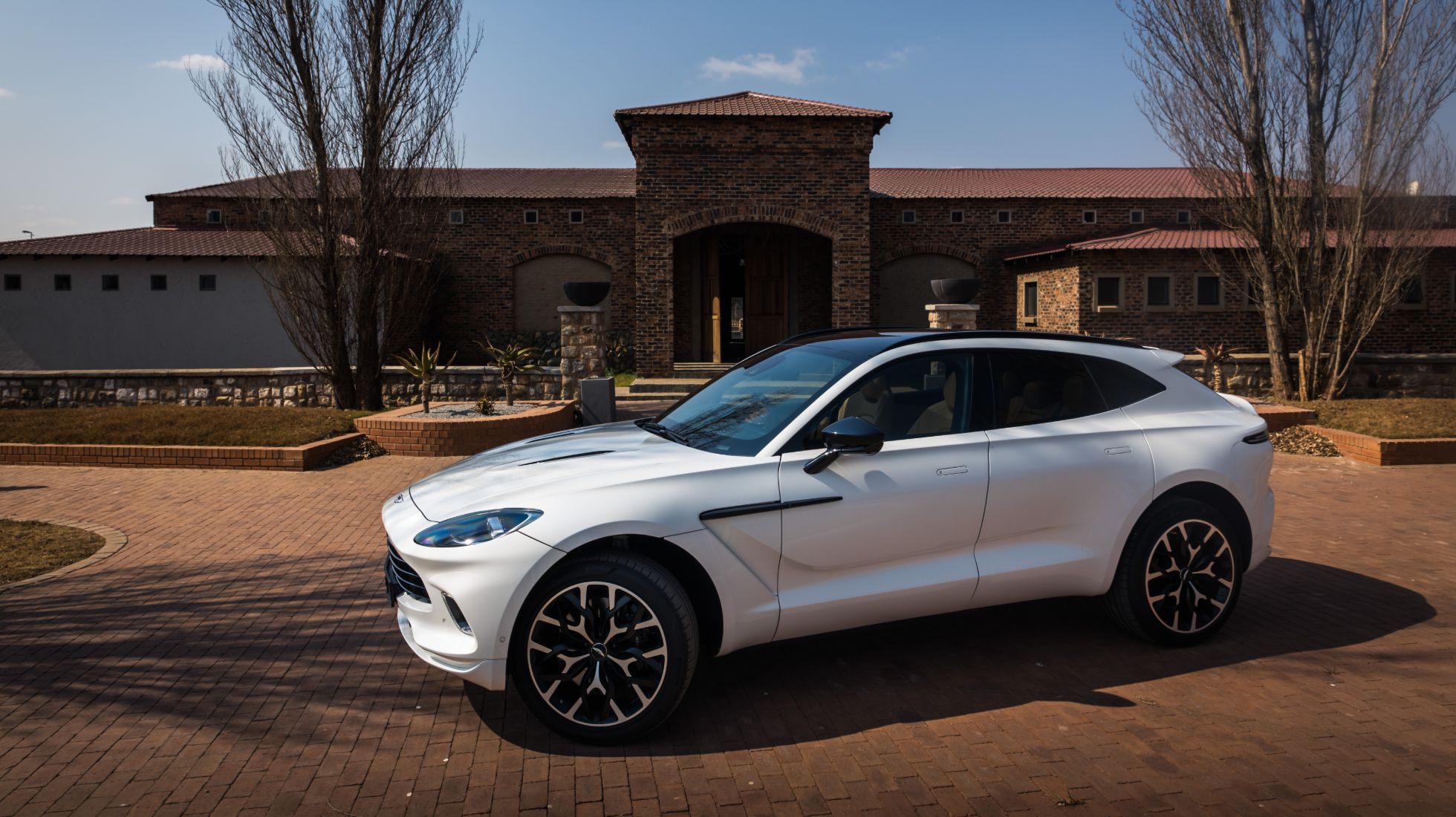 Review of the Aston Martin DBX