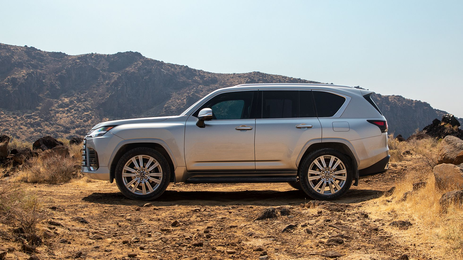 Lexus once again brings luxury to the 4x4 trail