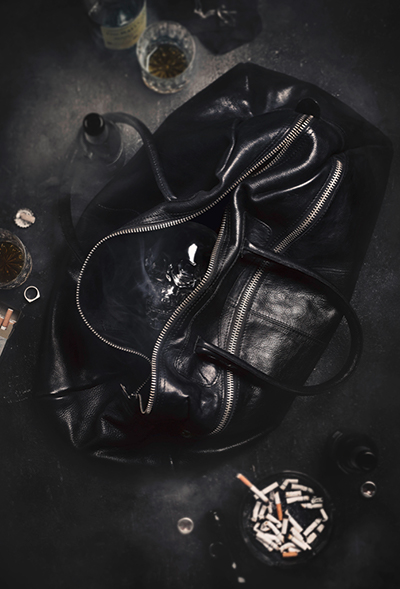 Leather bag in front of a white background fashion product commercial photography Hamburg Philipp Burkart young photographer