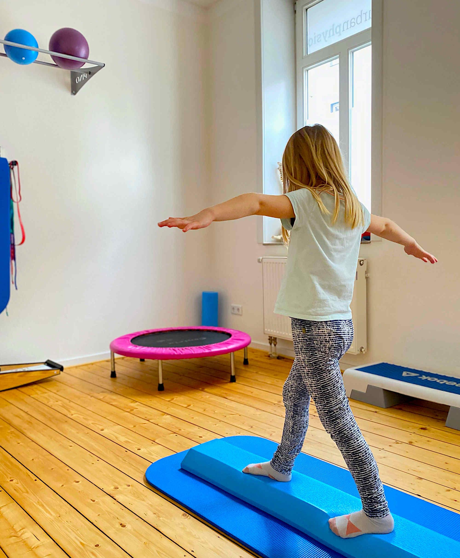 Kinder Physiotherapie - orthopädische und neurologische Physiotherapie. Auch nach Bobath und Vojta in Bielefeld
