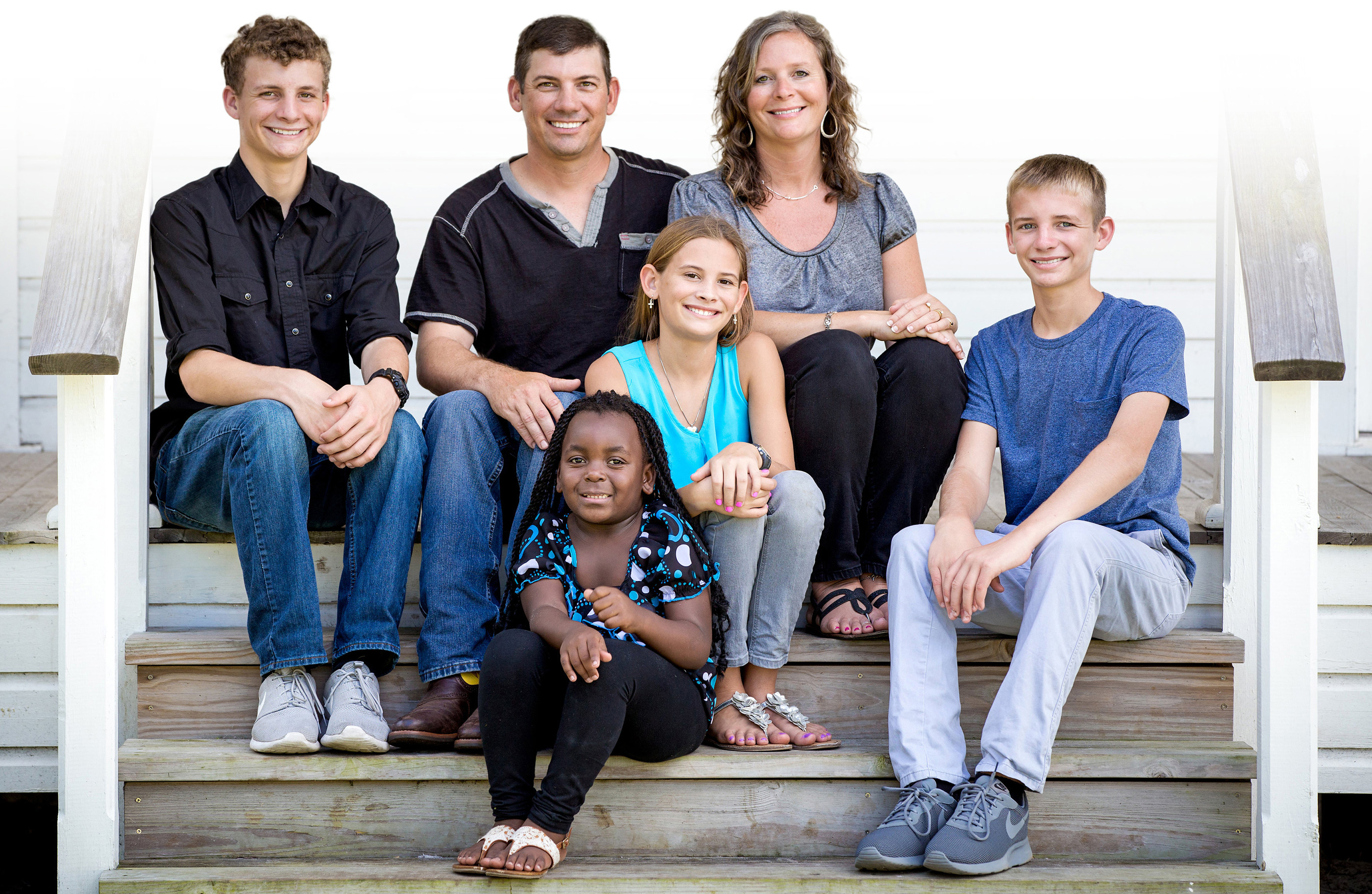 Mullet family - Dustin with wife Tishana and children Grant, Jennica, Tailyn and Brayden from left to right