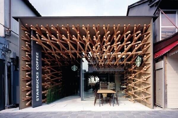 Fachada de loja em madeira | Starbucks
