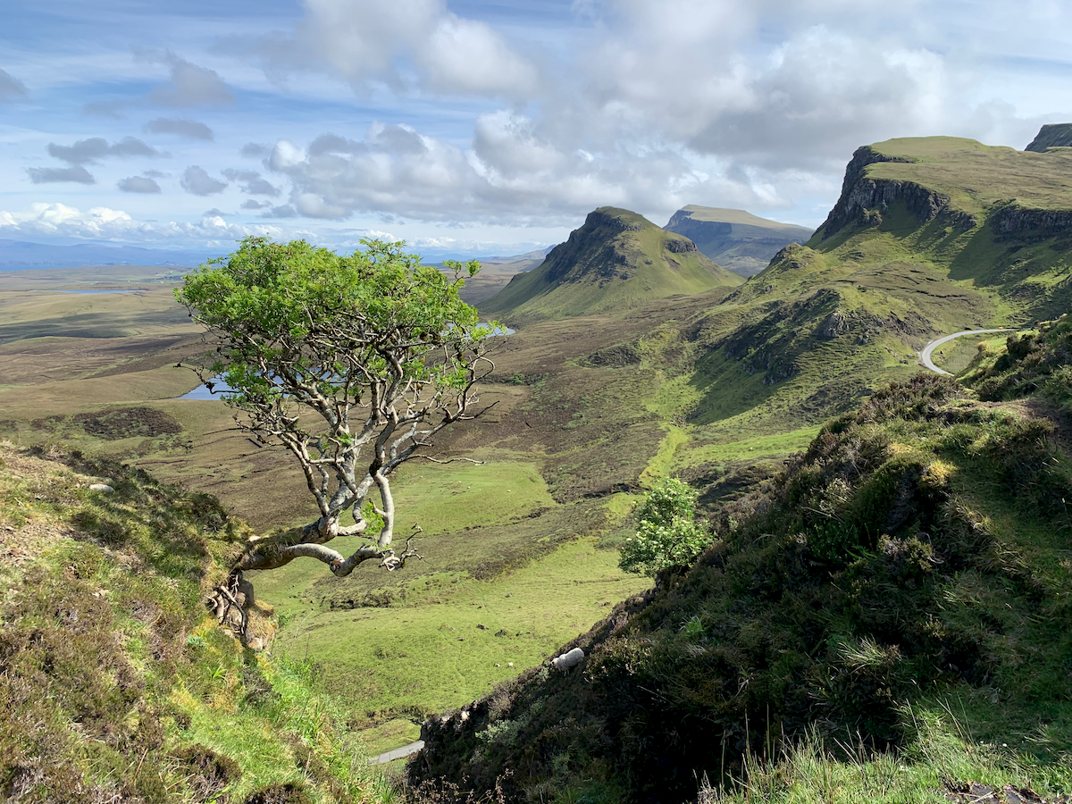 A green mountain range on the Isle of Skye
