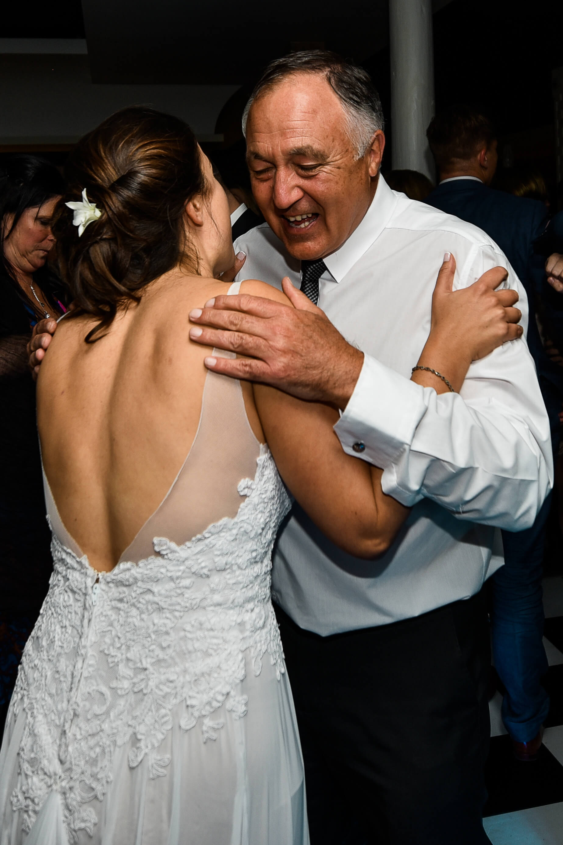 A bride and her dad dancing at her wedding in Plett.