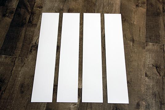 Bestehend aus 4 Folien (70 x 13 cm), passt unser BrandBox Magnet Streifen Set am besten an die Rückseiten der BrandBox Craft, Sew und Office Schiebetüren.
