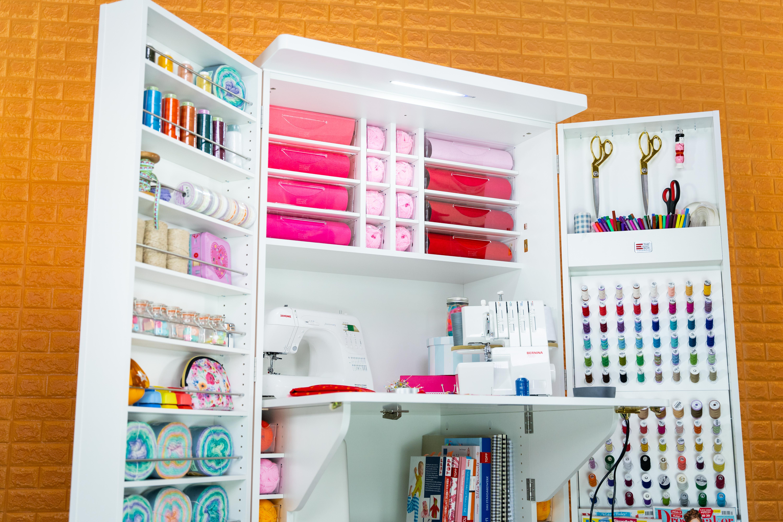 Das LED Top (Version BrandBox Hobby) kannst du im Nachhinein ganz einfach mit 5 Schrauben an deiner BrandBox Hobby ART oder SEW montieren.