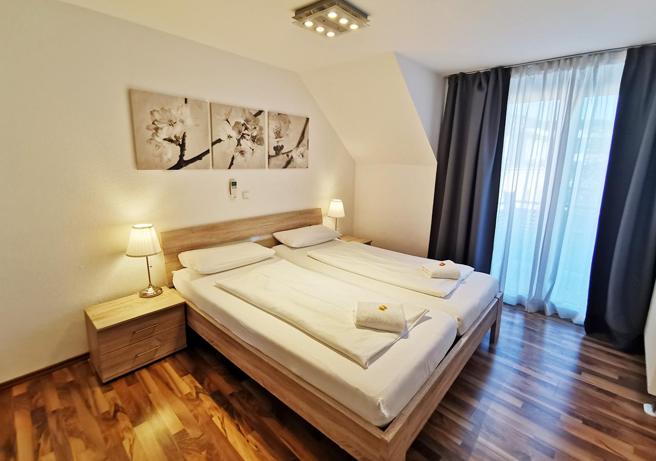 1ste bedroom