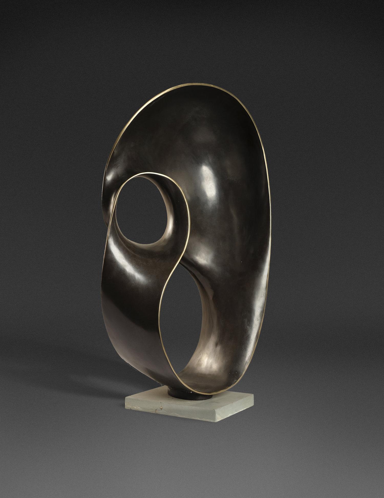 Ahmad Osni Peii, Sarinah, bronze, 41 x 71 x 21 cm, 1991