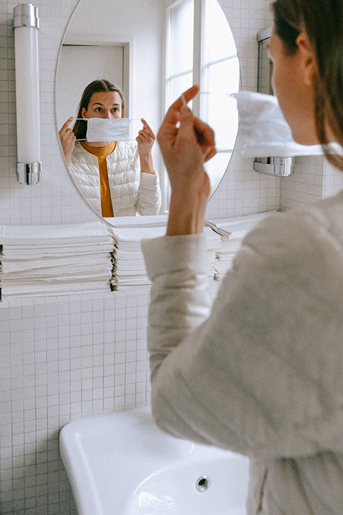corona-maske-richtig-anziehen