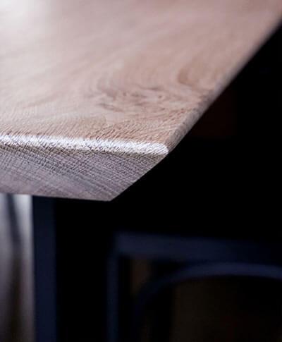 coin de table live edge design